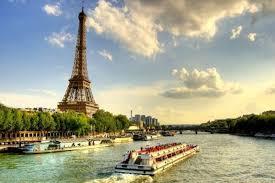 Péniche Parisienne : Combien coûte une location ? - Feuxi.info
