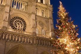 Croisière de Noël sur la Seine avec bateaux parisiens incluant un dîner de  5 plats proposé par Bateaux Parisiens | Paris, Île-de-France - Tripadvisor