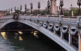 8 anecdotes insolites sur les ponts de Paris | Un jour de plus à Paris