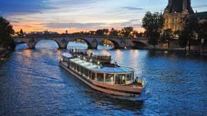 Croisière sur la Seine : votre réservation groupe en toute simplicité -  Paris en Scène