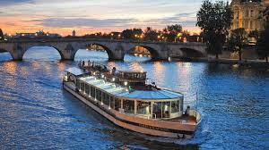 Paris en Scène : le dîner croisière sur la Seine à Paris à prix imbattable