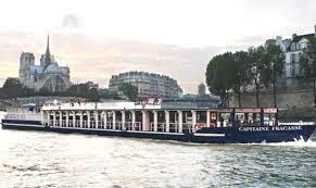 Capitaine Fracasse, restaurant croisière sur la Seine| Paris Gourmand